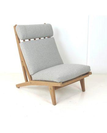 Hans Wegner Model 370 Oak Lounge Chair by Getama